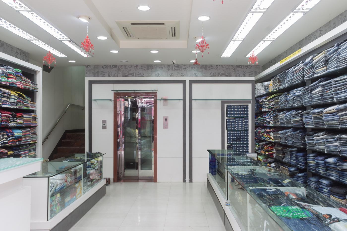 Trishades Interior Design -Style In commercial complex